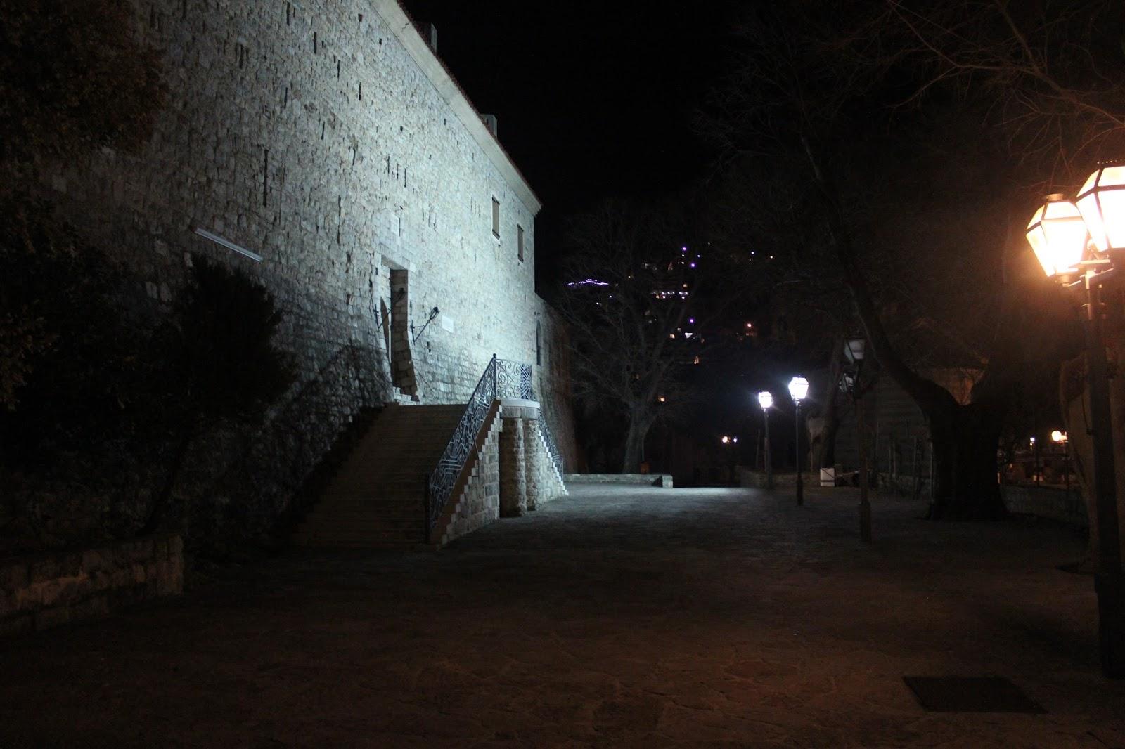Budva noću, tvrđava