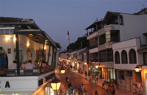 Ulcinj, Glavna ulica noću, Fotografija preuzeta sa interneta