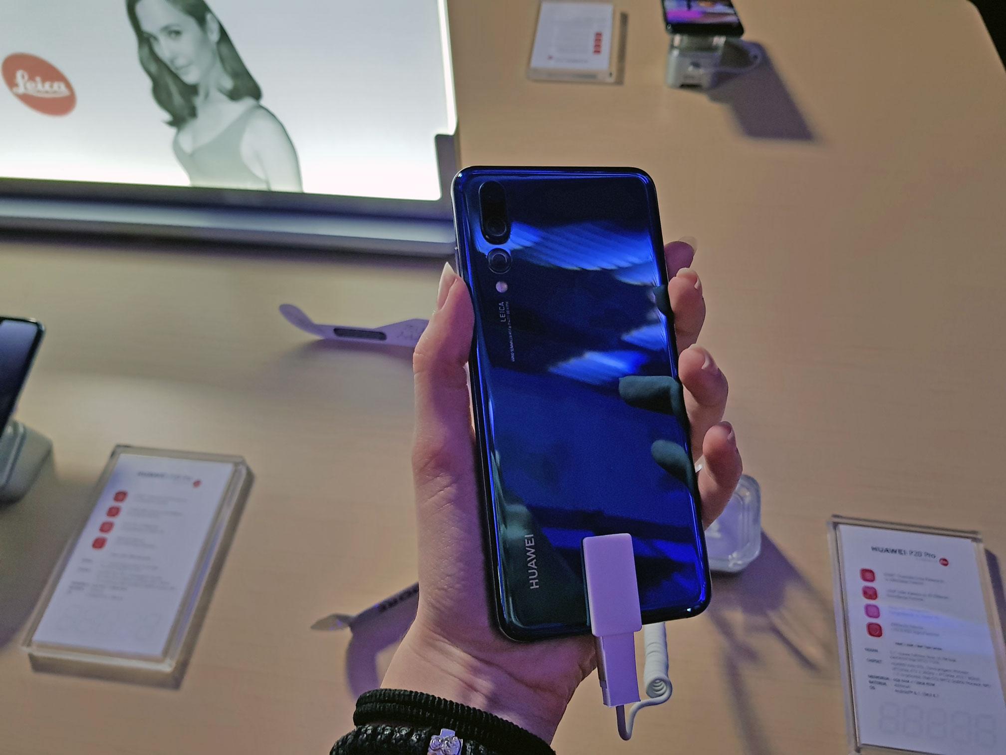 Zadnji deo telefona, tri kamere; Huawei P20 Pro