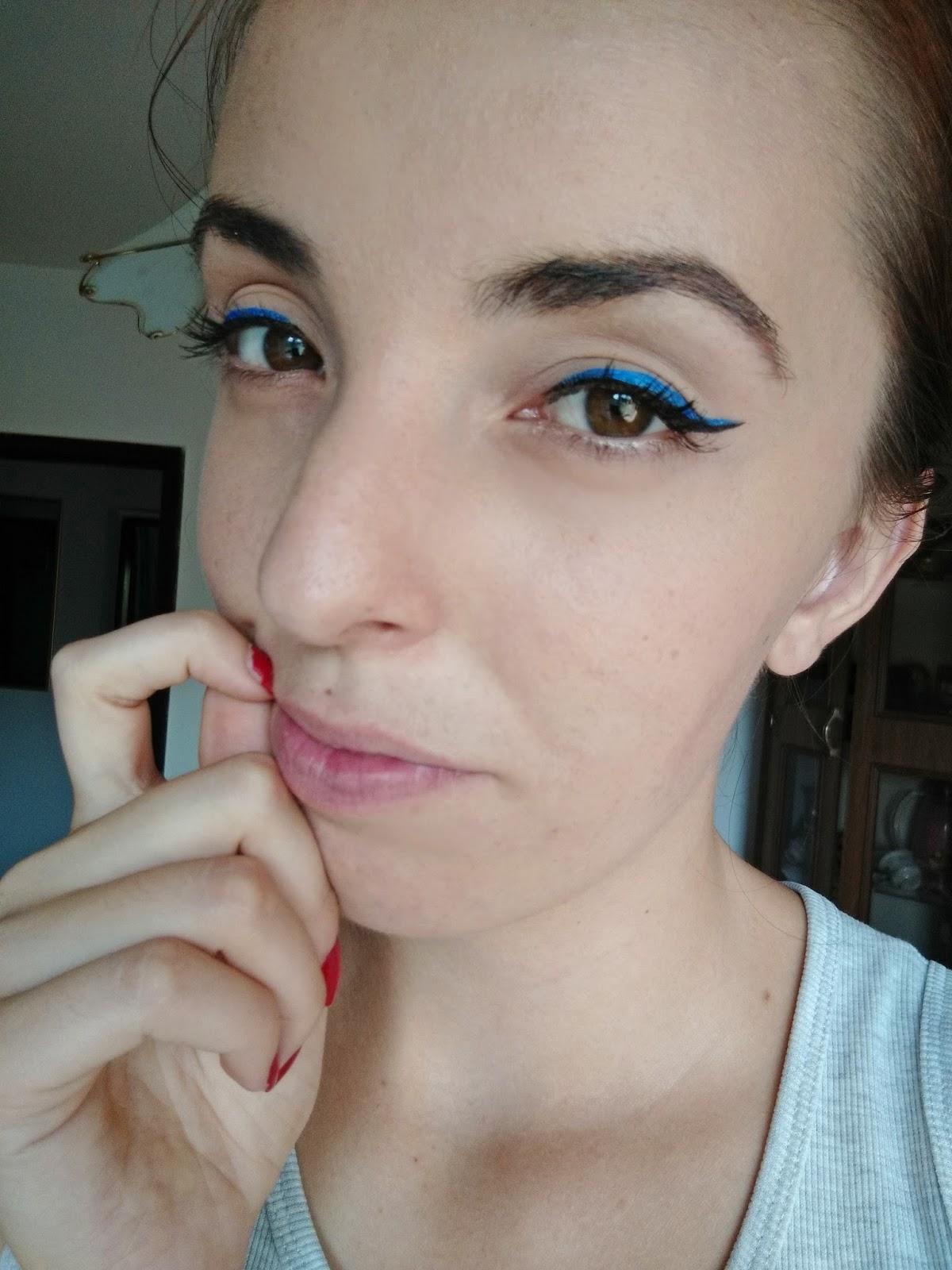 Crni i plavi eyeliner, Kovalska