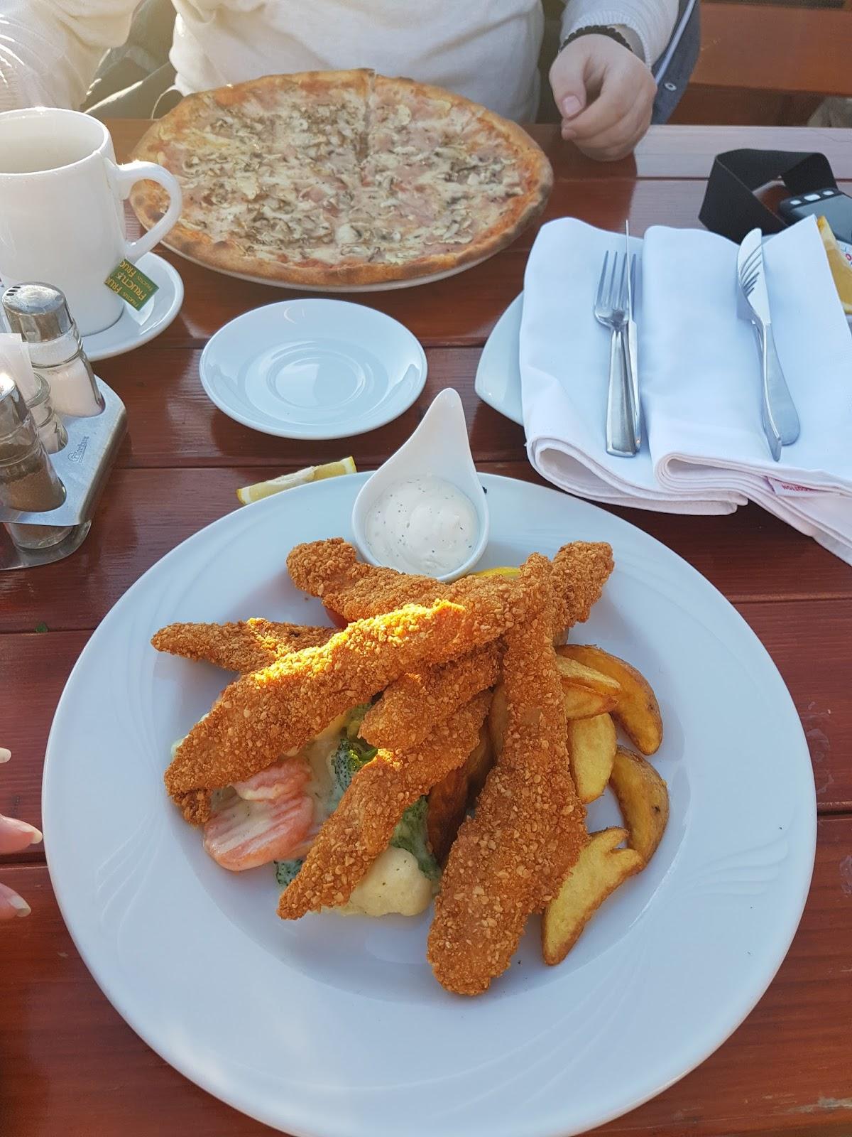 Hrskava piletina i kaprićoza, restoran Tropico, Budva