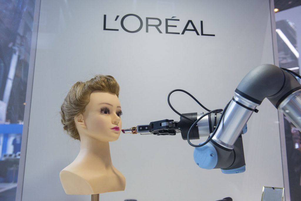 L'Oreal - Integracija digitalnih tehnologija i proizvodnog procesa