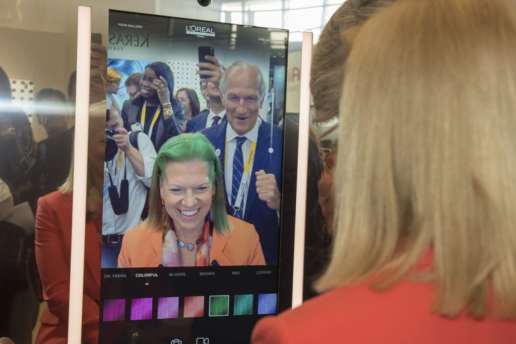 L'Oreal Professionnel - tehnologija za virtualno isprobavanje raznovrsnih boja kose