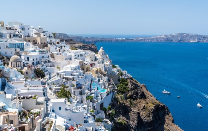 Letovanje; Santorini, Grčka; Foto: pixabay.com