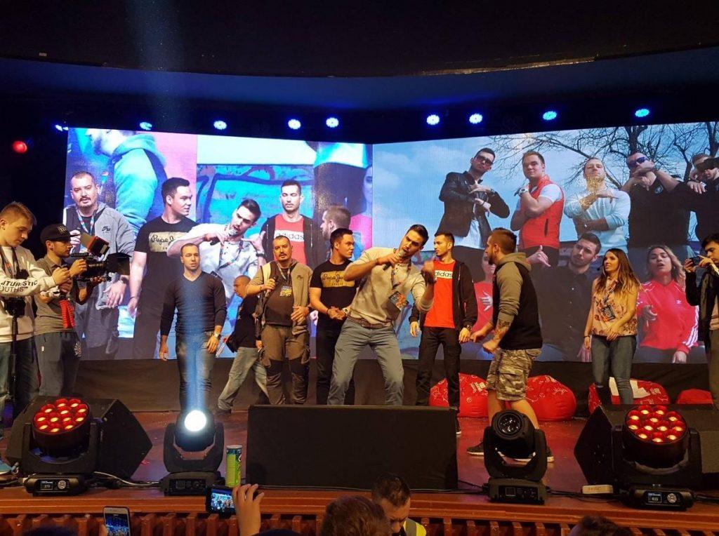 Izvođenje pesme Klikbejt na Balkan Tube Festu; Foto DW