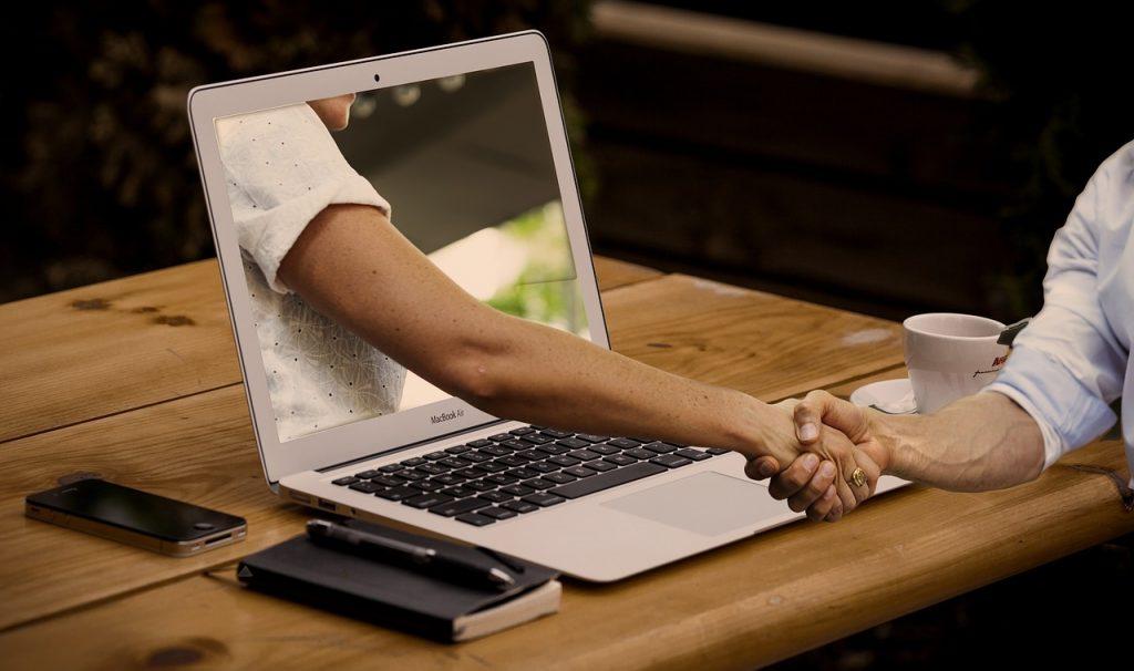Online dating; Foto pixabay.com